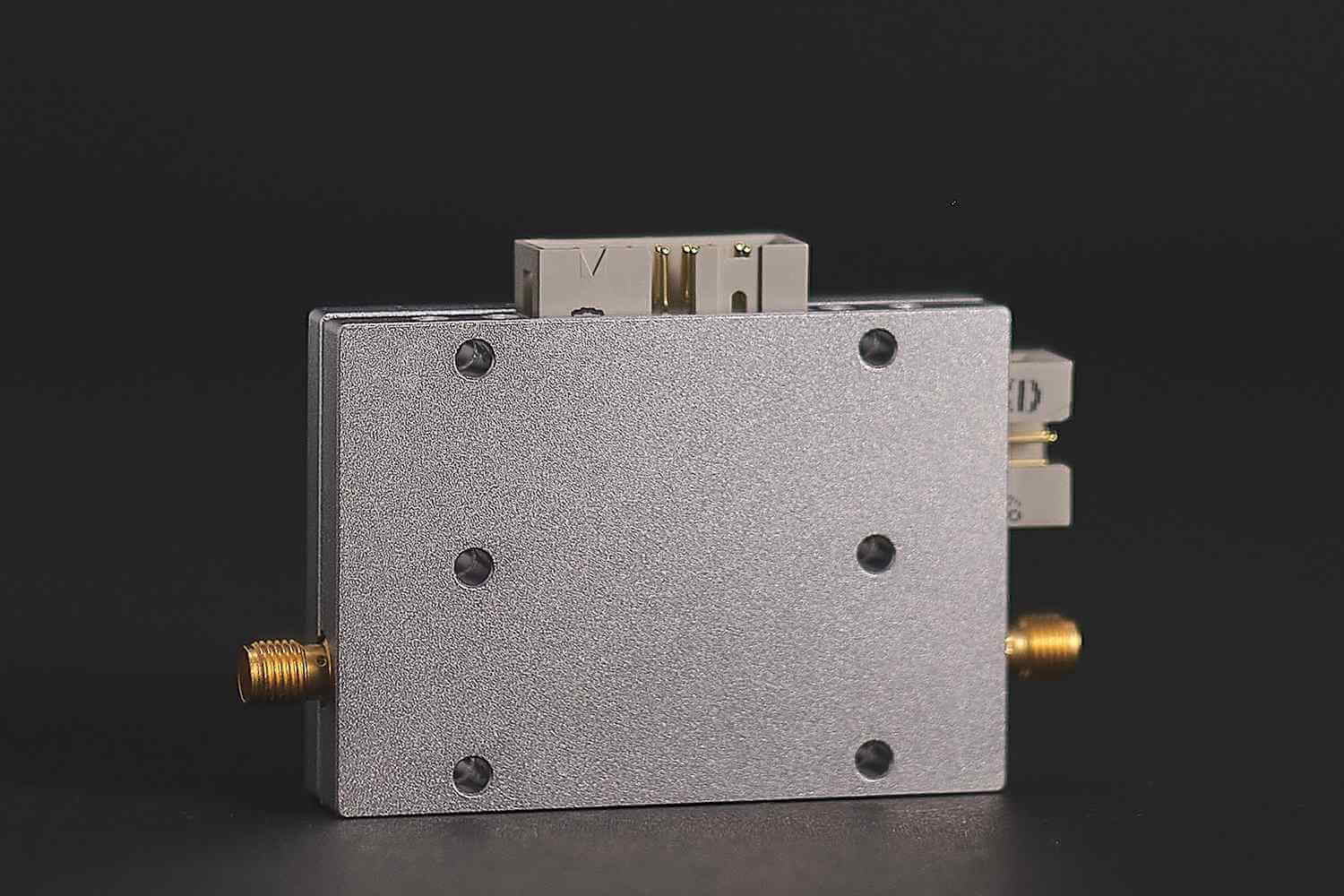 Digital Step Attenuator for mobile frequency bands